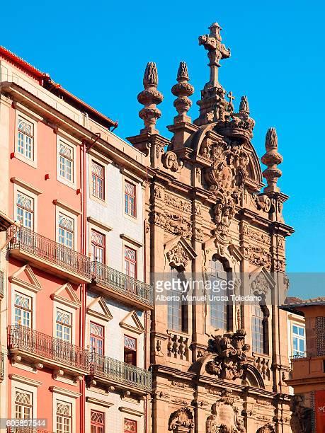 portugal, porto, rua  church of misericordia in the rua das flores - rua fotografías e imágenes de stock