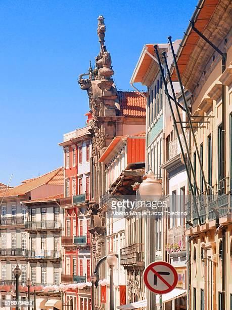 portugal, porto, rua das flores and church of misericordia - rua fotografías e imágenes de stock