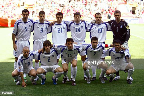 The Greek national football team members pose 16 June 2004 at Bessa stadium in Porto before their Euro 2004 group A football match against Spain...