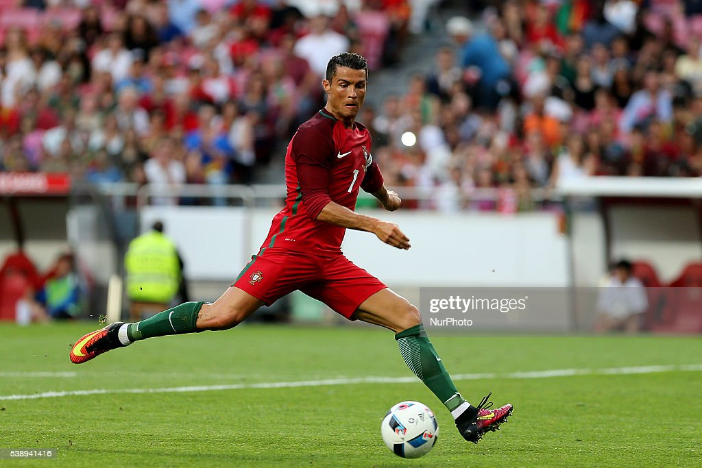 Portugal v Estonia - International Friendly : News Photo
