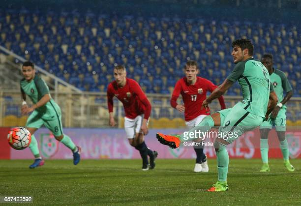 Portugal's forward Goncalo Paciencia scores goal during the U21 International Friendly match between Portugal and Norway at Estadio Antonio Coimbra...