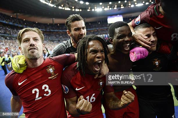 TOPSHOT Portugal's midfielder Adrien Silva Portugal's midfielder Renato Sanches Portugal's goalkeeper Rui Patricio Portugal's midfielder William...