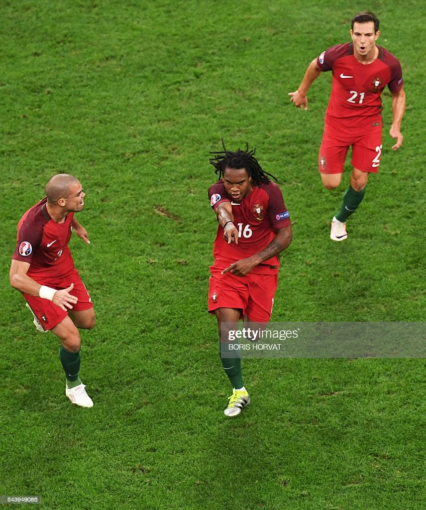 Portugal's midfielder Renato Sanches (C) celebrates with Portugal's defender Pepe (L) and Portugal's defender Cedric Soares after scoring during the Euro 2016 quarter-final football match between Poland and Portugal at the Stade Velodrome in Marseille on June 30, 2016. / AFP / BORIS