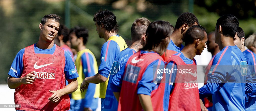 Portugal's national football team player Cristiano Ronaldo (L) take part in a training session in Massama, near Lisbon, on June 5, 2010 to prepare for the FIFA 2010 World Cup in South Africa.