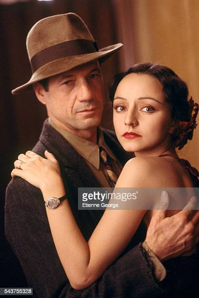 Portugese actress Maria de Medeiros and American actor Fred Ward on the set of the film 'Henry & June', directed by Philip Kaufman and based on French writer Anais Nin's novel by the same title.