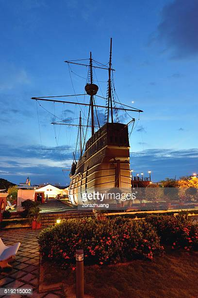 portugese vintage ship, malacca, malaysia - melaka state stock pictures, royalty-free photos & images