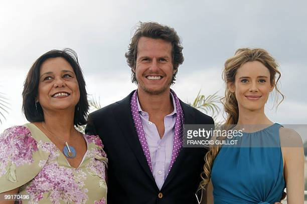 Portuguese actor Ricardo Trepa Portuguese actress Ana Maria Magalhaes and Spanish actress Pilar Lopez poses during the photocall of the film 'O...