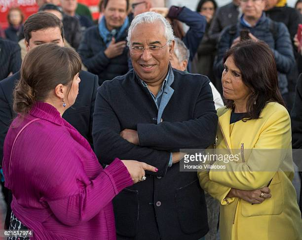 Portuguese artist Joana Vasconcelos talks to Portugal's Prime Minister Antonio Costa and his wife Fernanda Maria Goncalves Tadeu during the...