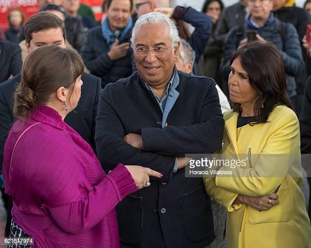 Portuguese artist Joana Vasconcelos talks to Portugal's Prime Minister Antonio Costa , and his wife Fernanda Maria Goncalves Tadeu during the...