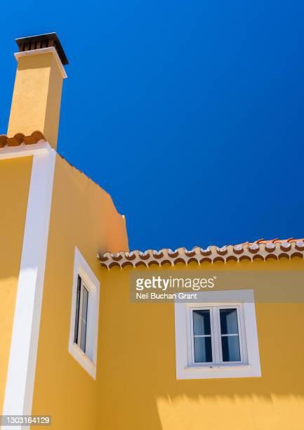 portuguese building detail - モンシケ ストックフォトと画像