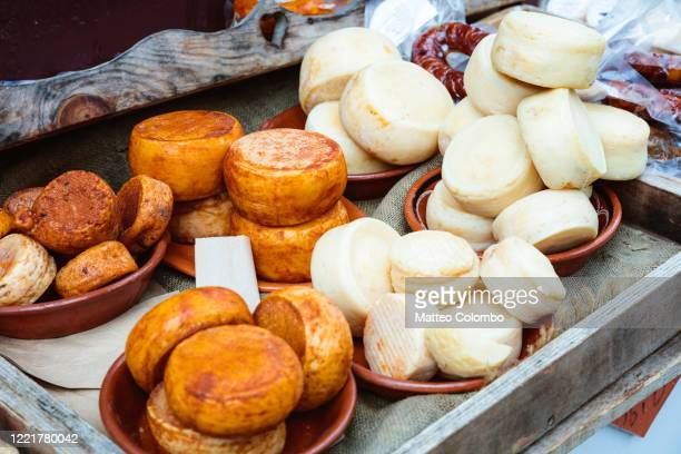 portuguese cheese at the market, portugal - ポルトガル文化 ストックフォトと画像