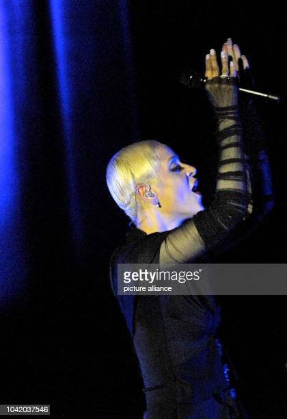 Portuguese Fadosinger Mariza performes in the 'Haus der Kulturen der Welt' in Berlin Germany 12 October 2013 Photo Roland Popp | usage worldwide