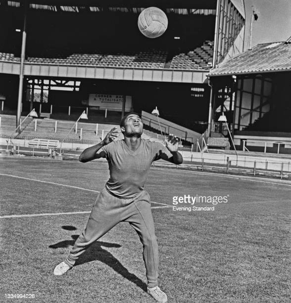 Portuguese footballer Eusébio of Sport Lisboa e Benfica at Stamford Bridge in London to play Chelsea FC in a charity International Club Match, UK,...