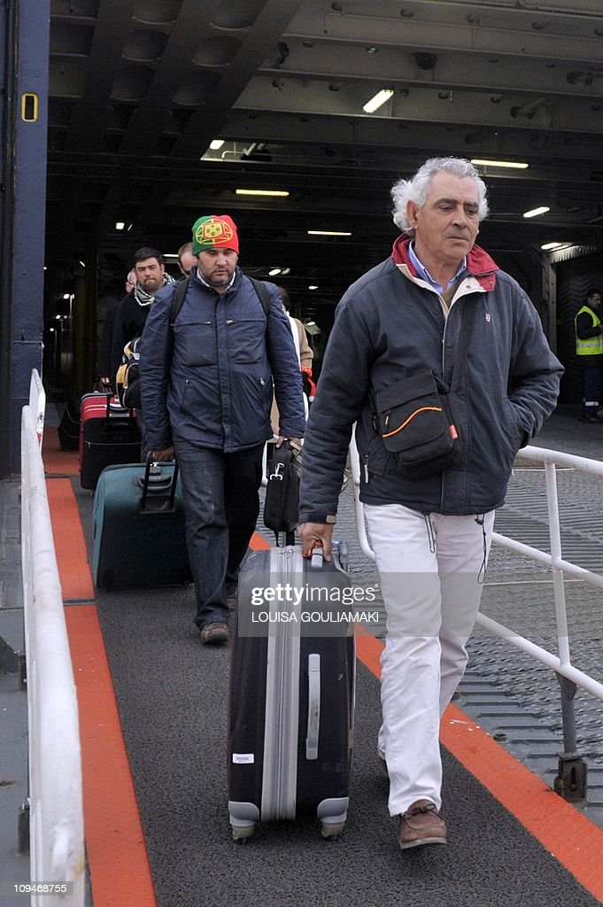 Portuguese nationalits evacuated from th : News Photo