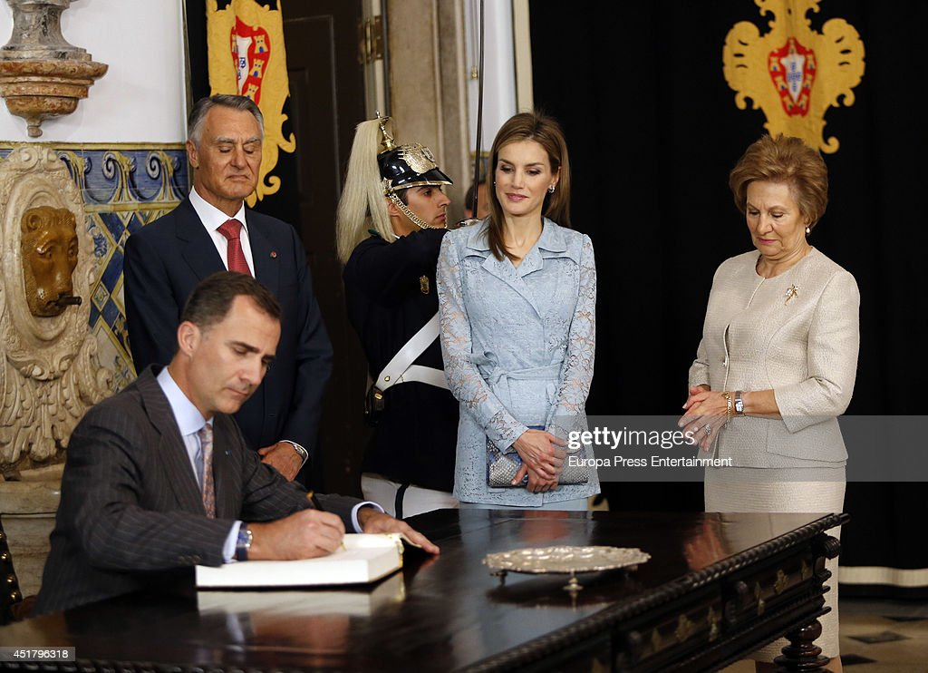 Portuguese president Anibal Cavaco Silva (2L) and his wife Maria Cavaco (R) receive King Felipe VI of Spain (L) and Queen Letizia of Spain (2R) on their official visit in Portugal on July 7, 2014 in Lisbon, Portugal.