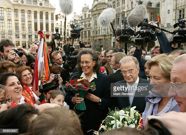 Portuguese President Jorge Sampaio, his wife Maria Jose Ritta, Queen Paola and King Albert are welcomed at the Grand Place in front of Town Hall...