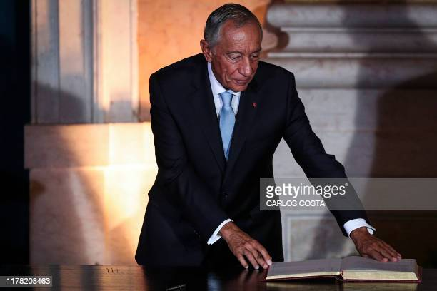 Portuguese President Marcelo Rebelo de Sousa attends the swearing-in ceremony of the new government at Ajuda palace in Lisbon on October 26, 2019.