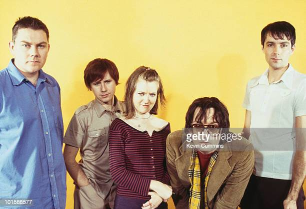 Posed group portrait of British band Pulp Left to right are drummer Nick Banks guitarist Mark Webber keyboard player Candida Doyle singer Jarvis...