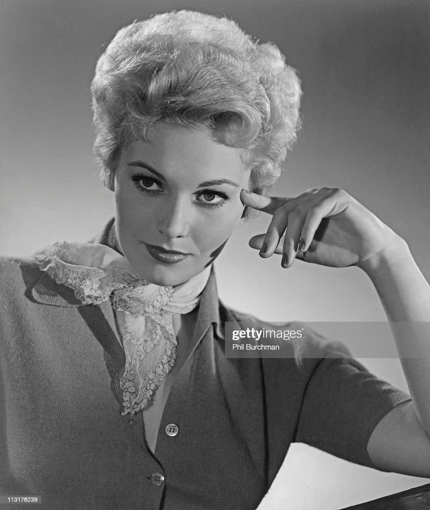 Kim Novak Portrait : News Photo