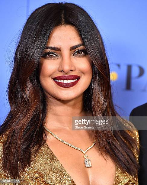 Poses Priyanka Chopra at the 74th Annual Golden Globe Awards at The Beverly Hilton Hotel on January 8, 2017 in Beverly Hills, California.