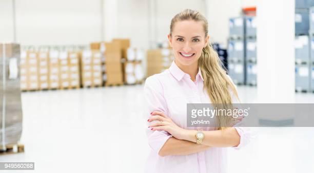 Gerente de positivo en almacén