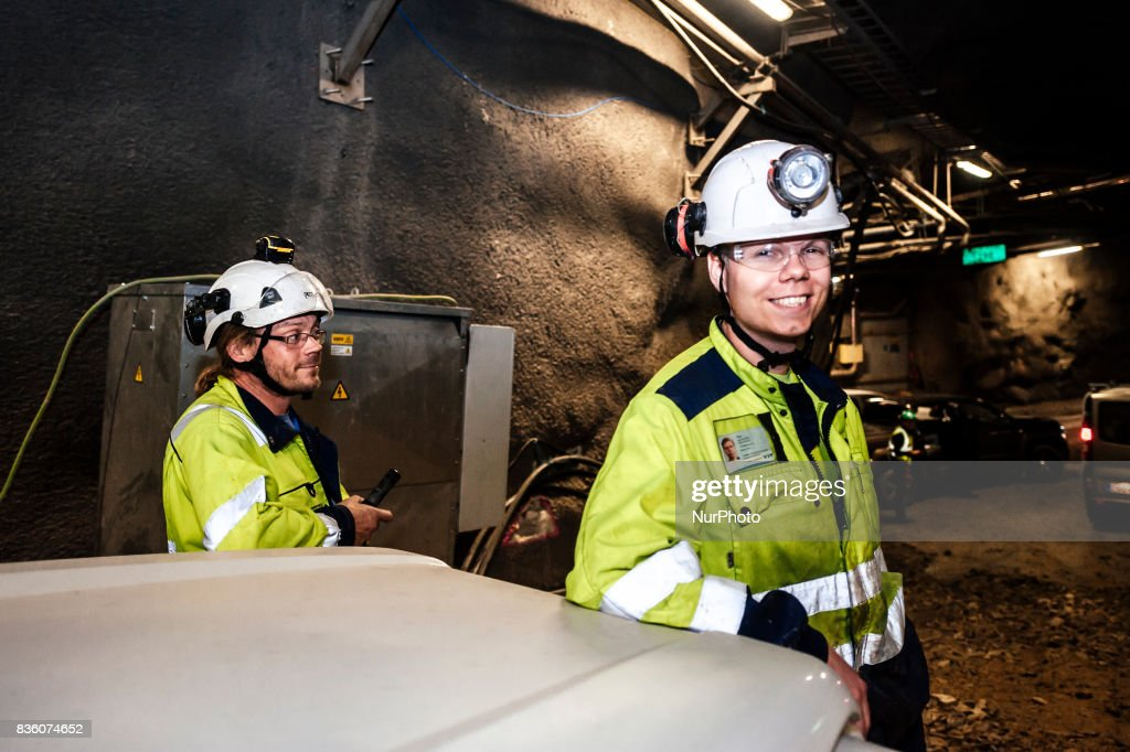 Posiva's Jari Isokorpi (l.) and YIT's Oskar van der Weij (r.) in the spent nuclear fuel repository ONKALO in Olkiluoto, Eurajoki, Finland on 17 August 2017.