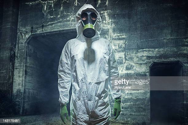 post apocalyptic biological wasteland man - gas mask stock pictures, royalty-free photos & images