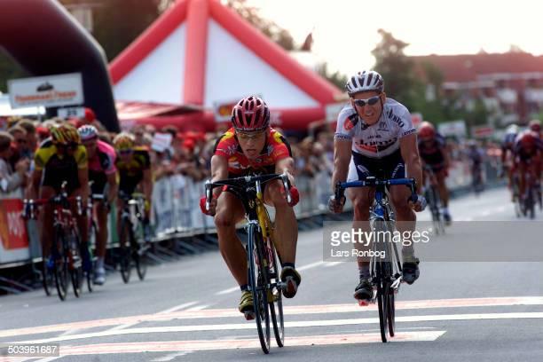 Post Danmark Rundt 4 etape Gorik Gardeyn Lotto vinder etapen foran Robbie McEwen Domo Farm Frites