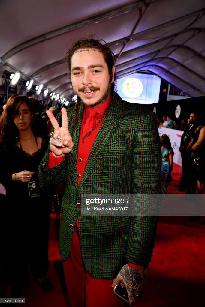 2017 American Music Awards - Red Carpet : News Photo