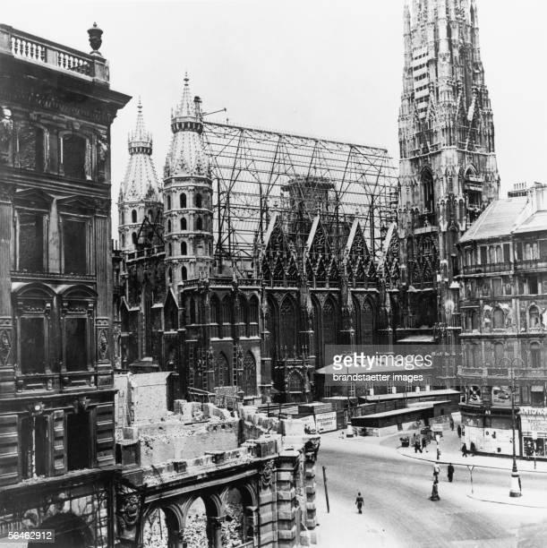 Post World War II View on damaged St Stephans Cathedral in Vienna Austria Photography 1948 [Nach dem Zweiten Weltkrieg Blick auf den Stephansdom in...