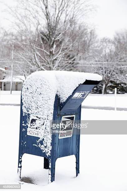 US Postal Service Boîte postale couverte de neige
