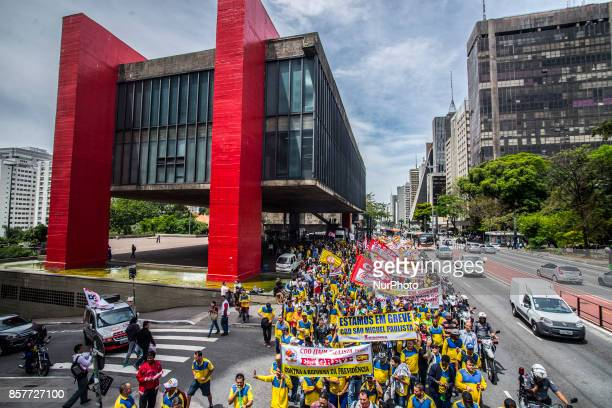 Postal workers on strike since September 20 are doing an act and march through the streets of São Paulo The National Federation of Postal Telegraph...