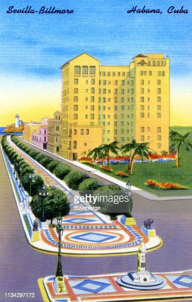Postcard advertises the Sevilla Biltmore hotel with an elevated view along the Paseo de Marti in Havena Cuba 1939