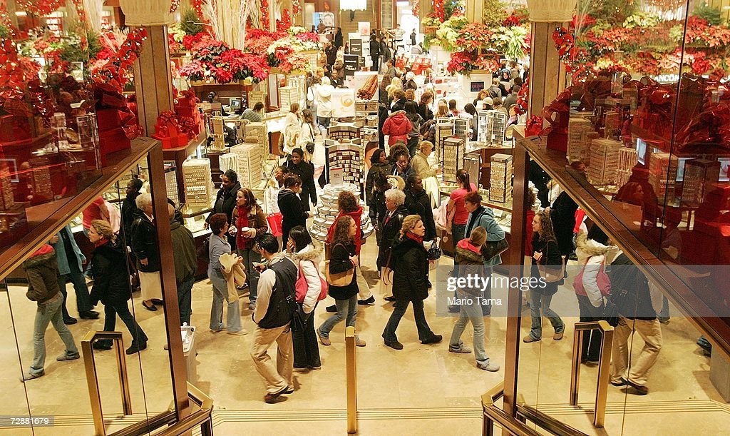 Retailers Hope Post-Christmas Sales Will Save Bottom Line : News Photo
