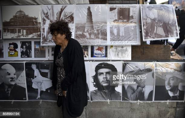 Poster with the photograph of the legendary Argentineborn guerrilla leader Ernesto 'Che' Guevara displayed for sale along with other posters...
