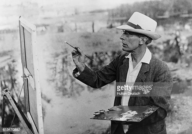 Postimpressionist British painter Robert Fry