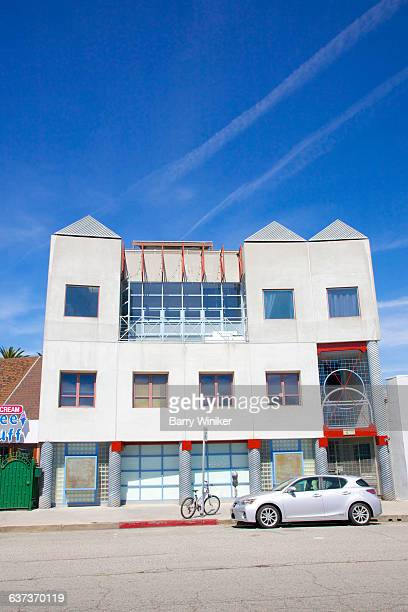 postmodern art school, venice, california - postmodern_art stock-fotos und bilder