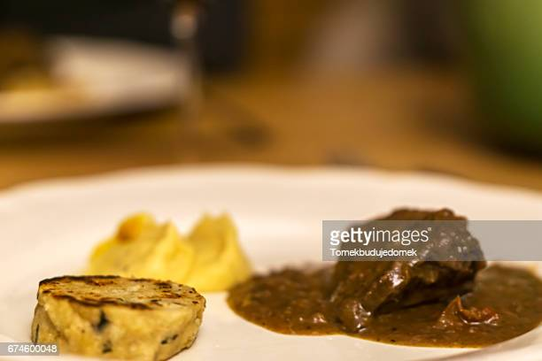 pot roast - speisen stock pictures, royalty-free photos & images