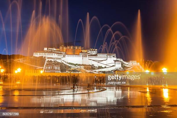 CONTENT] Potala Palace at night lhasa Tibet China