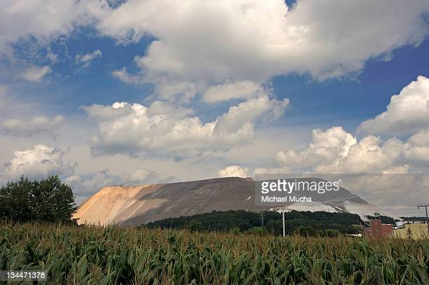 potash slag heap near fulda, neuhof, hesse, germany, europe - potash stock pictures, royalty-free photos & images
