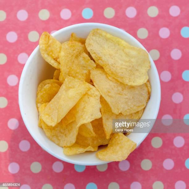 potato crisp - bol fotografías e imágenes de stock