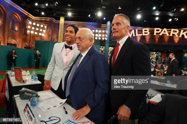 Potential 2018 MLB draft pick Anthony Seigler and his dad pose for a photo with Hall of Famer Tommy Lasorda prior to the 2018 Major League Baseball...