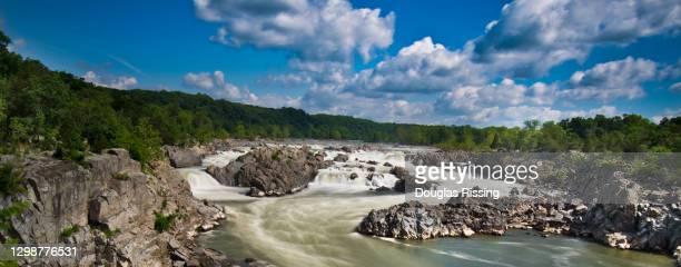 ポトマック川 - グレートフォールズ国立公園 - バージニア州 - アメリカ大西洋岸中部 ストックフォトと画像