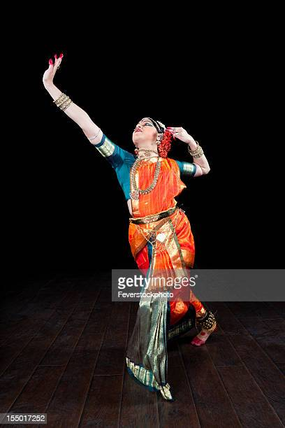 Potrait Of A Female Classical Indian Dancer On Stage