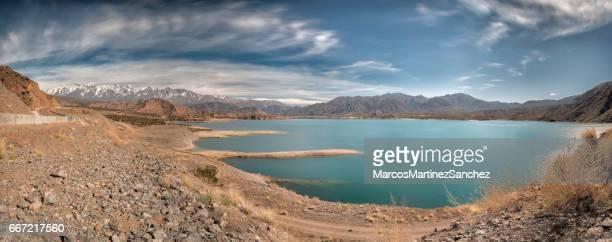 potrerillos lago, mendoza - argentina - argentina - fotografias e filmes do acervo