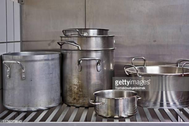 pots - シチュー鍋 ストックフォトと画像