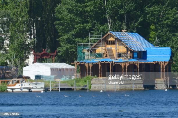 Potsdam an der Schwanenallee das Kaiserliche Bootshaus Matrosenstation mit dem Norwegischen Namen Kongsnäs im fortgeschrittenen Rohbau Neubau...