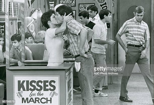 DAYS Potsie Gets Pinned 1/10/78 Lorrie Mahaffey Anson Williams