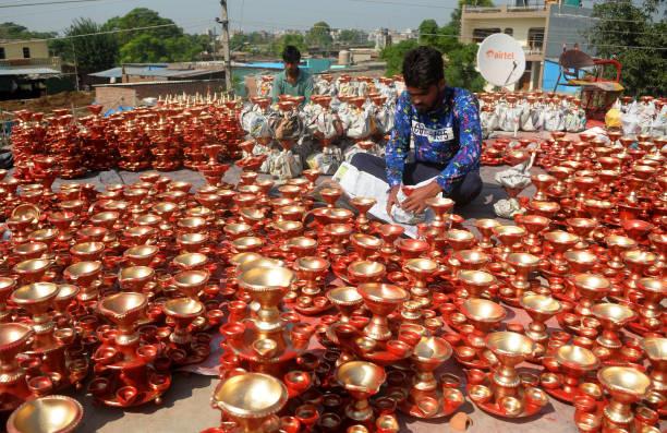 IND: Diwali Festival Preparation