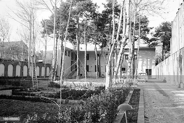 Pouillon'S Building In Tehran Téhéran15 Mars 1961 Un bâtiment de l'architecte et urbaniste français Fernand POUILLON EtatMajor Général et le...